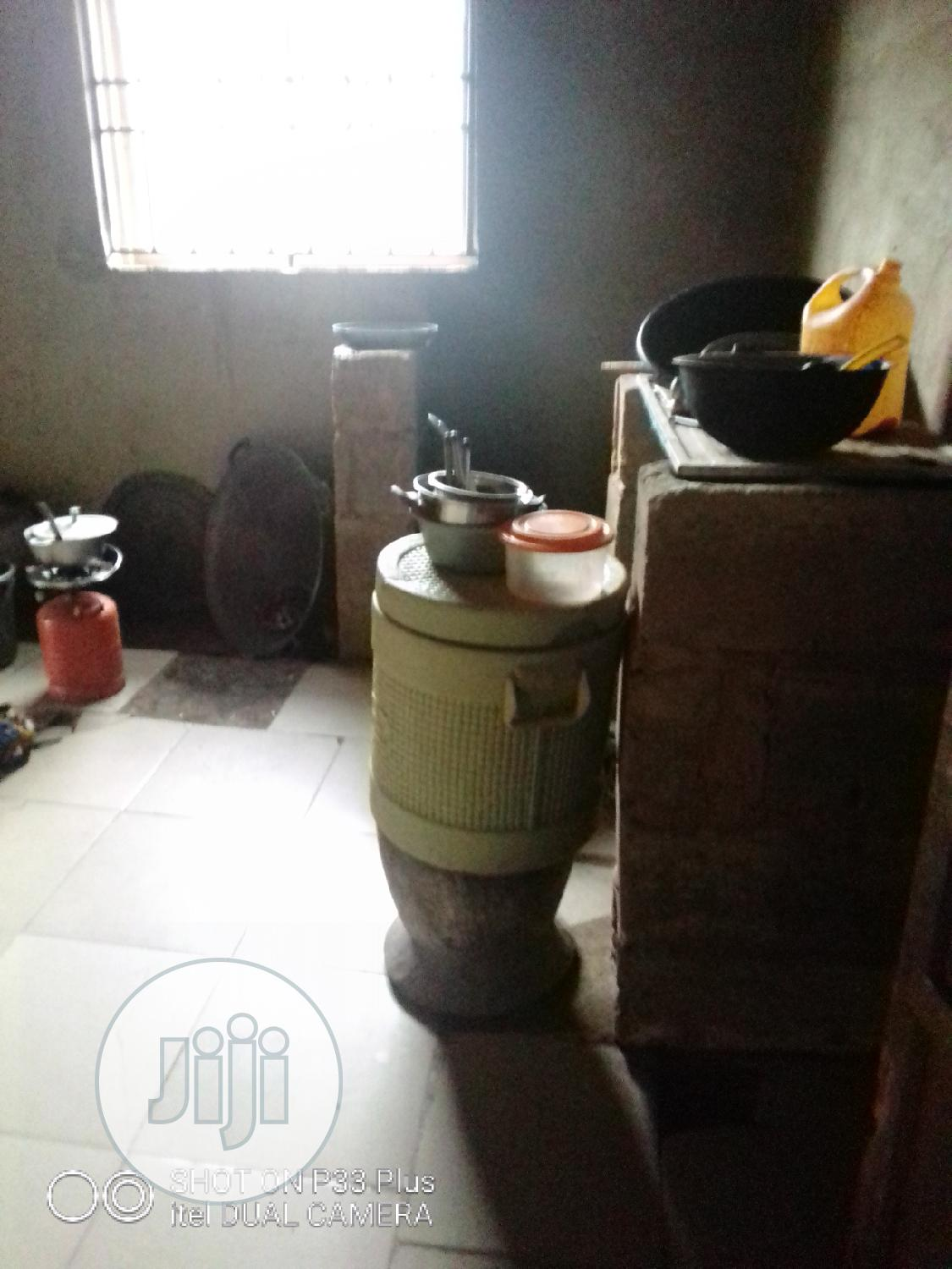 Available Three Bedroom At Alakuta Lane 7 Idunnu Avenue | Houses & Apartments For Sale for sale in Ibadan, Oyo State, Nigeria