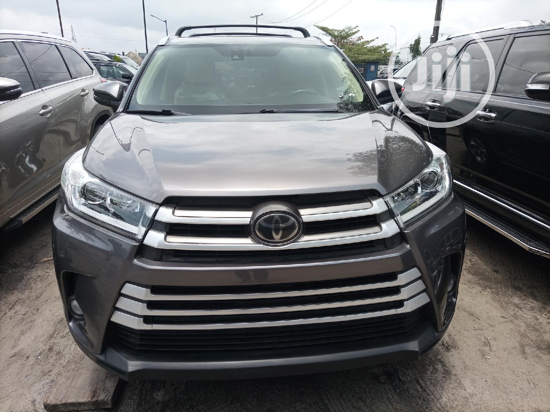 Toyota Highlander 2018 Gray