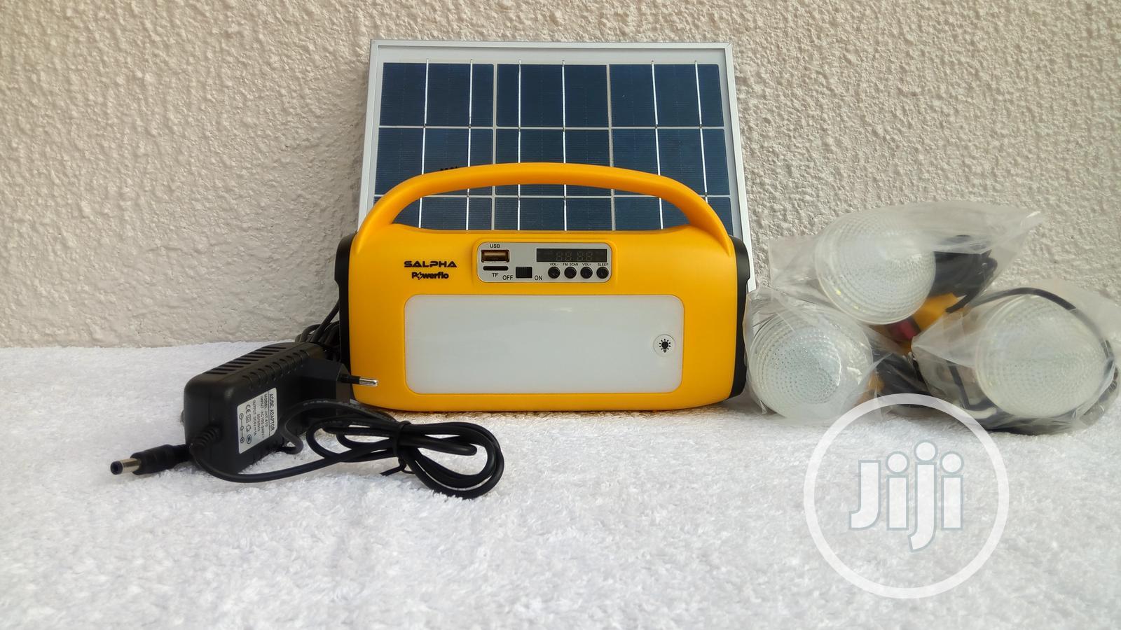 10000mah-10watt Rechargeable Solar Energy Home Lighting Kit