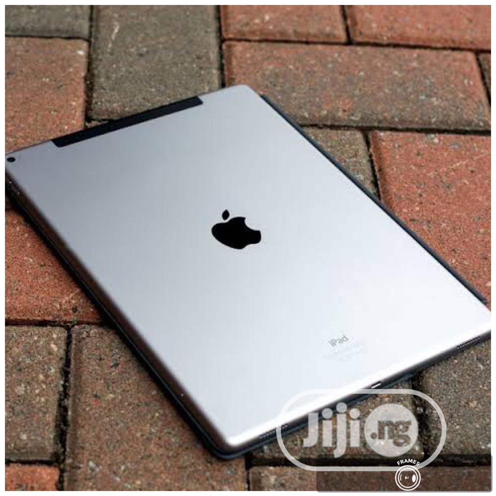Archive: New Apple iPad Pro 12.9 (2018) 512 GB Silver
