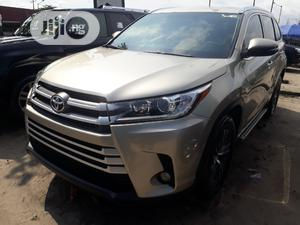 Toyota Highlander 2018 Gold   Cars for sale in Lagos State, Amuwo-Odofin