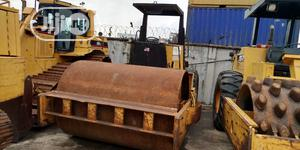 A Caterpillar Smooth Compactor Roller | Heavy Equipment for sale in Lagos State, Amuwo-Odofin