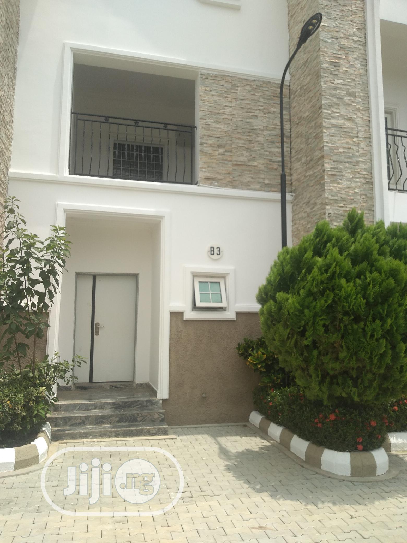 Serviced 4bedroom Terrace With Bq.@Katampe Extn 24/7 Light.