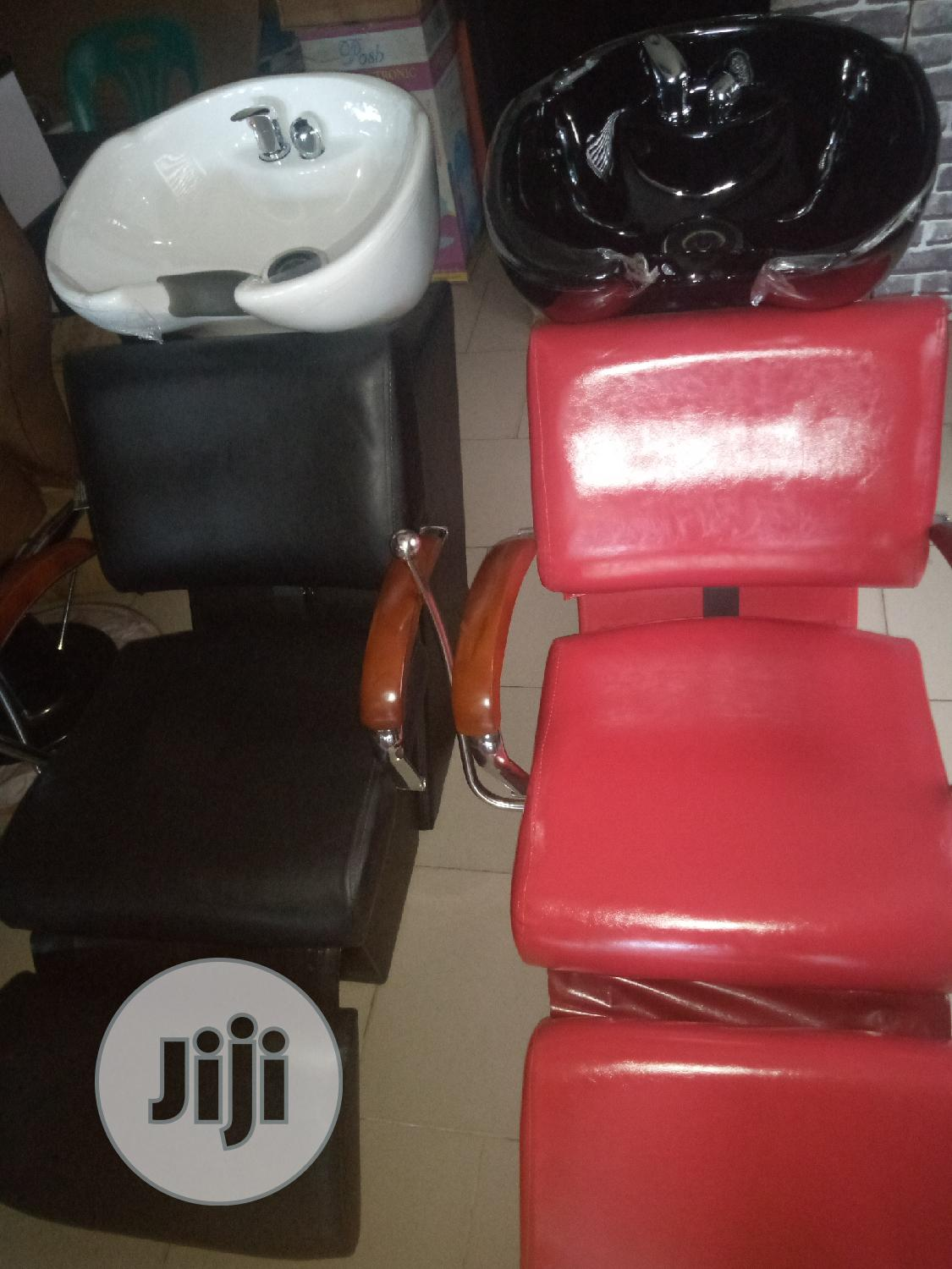 Saloon Chair With Washing Bazen