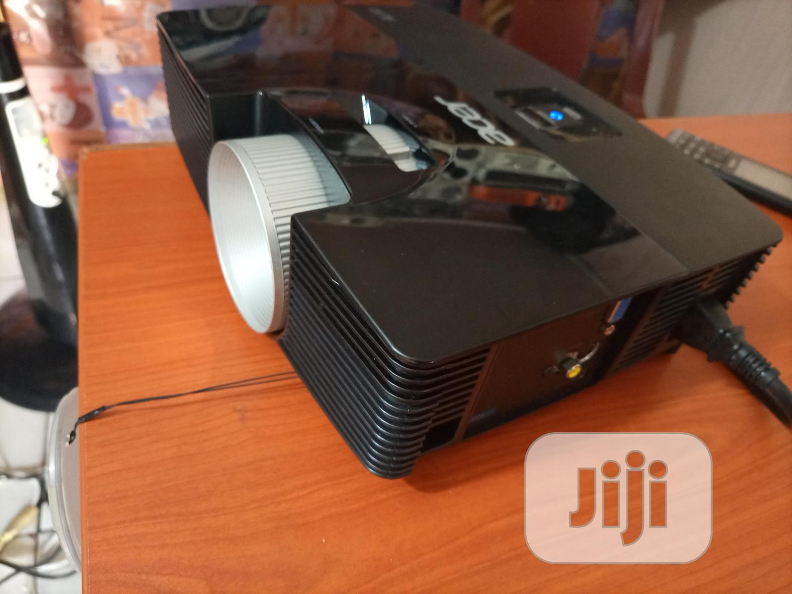 Super Bright Acer Projector | TV & DVD Equipment for sale in Central Business District, Abuja (FCT) State, Nigeria