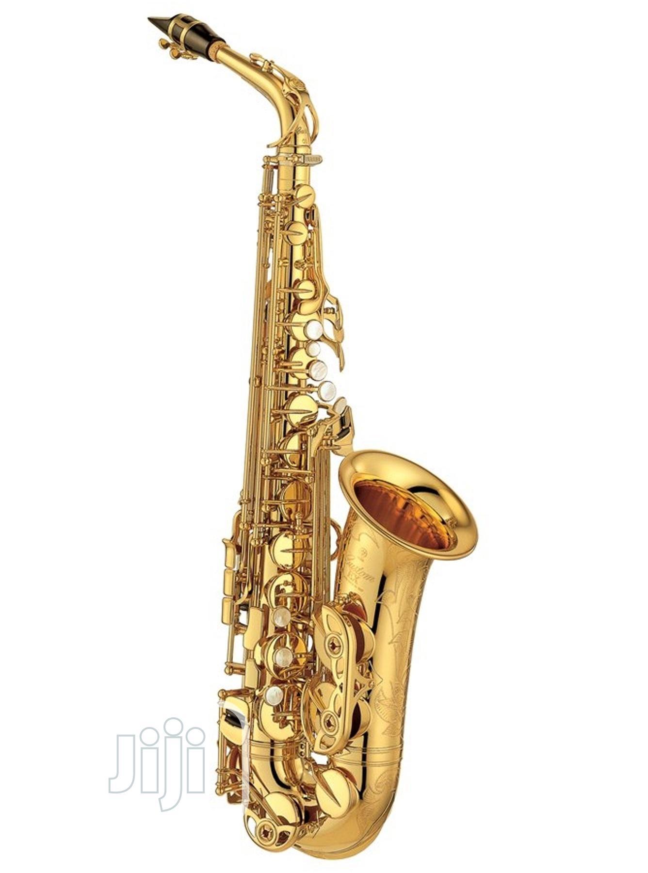 Yamaha Alto Professional Saxophone Gold
