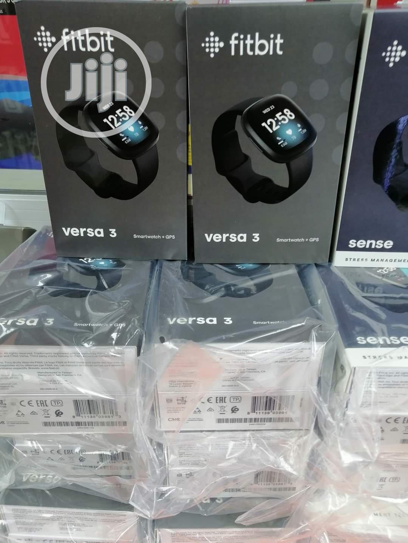 Fitbit Versa 3 Smartwatch +GPS