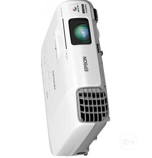 3200lumens WXGA Conference Room Projector 955WH - Epson 30-7 | TV & DVD Equipment for sale in Lagos State, Alimosho