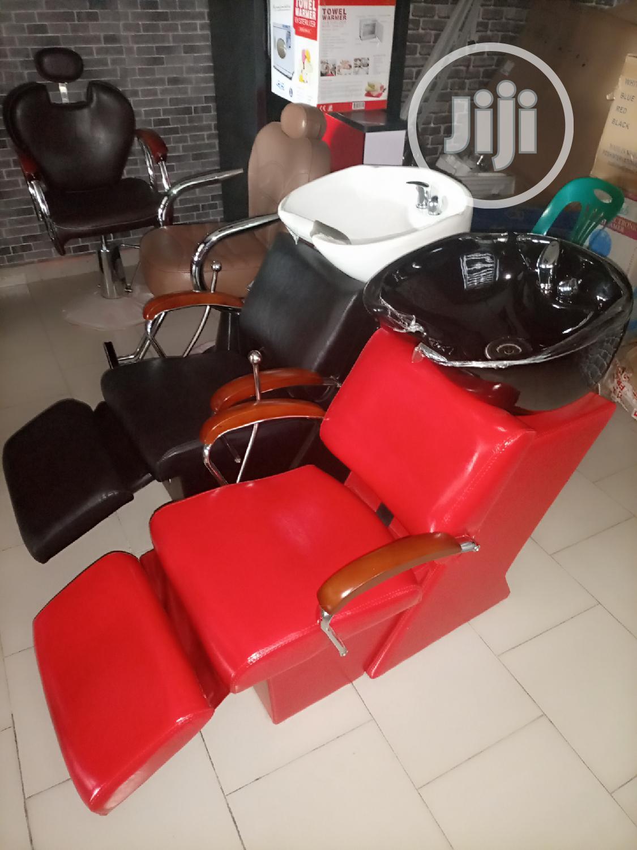 Salon Chairs With Washing Bazin