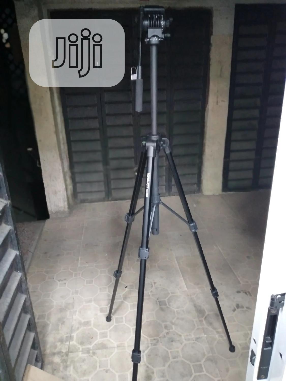 Camera & Phone Tripod Stand