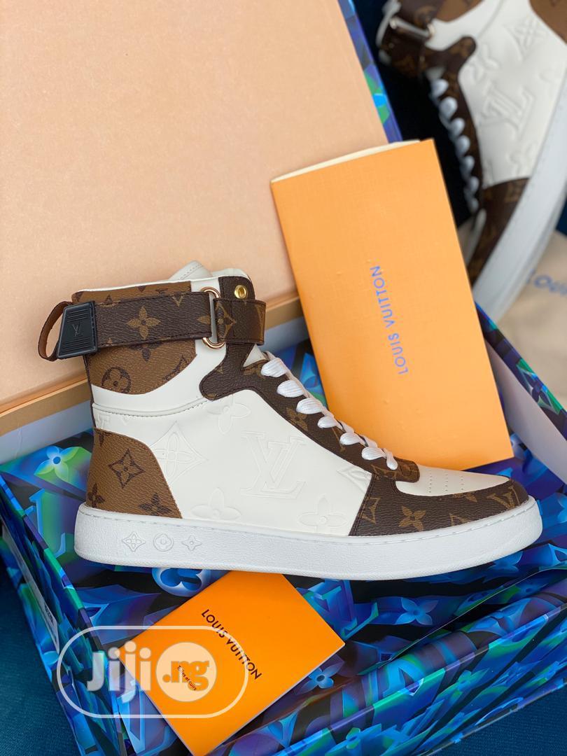 High Quality Louis Vuitton Hightop Ladies Sneakers