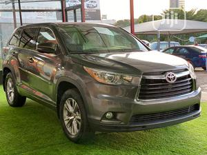 Toyota Highlander 2016 Gold   Cars for sale in Abuja (FCT) State, Central Business District