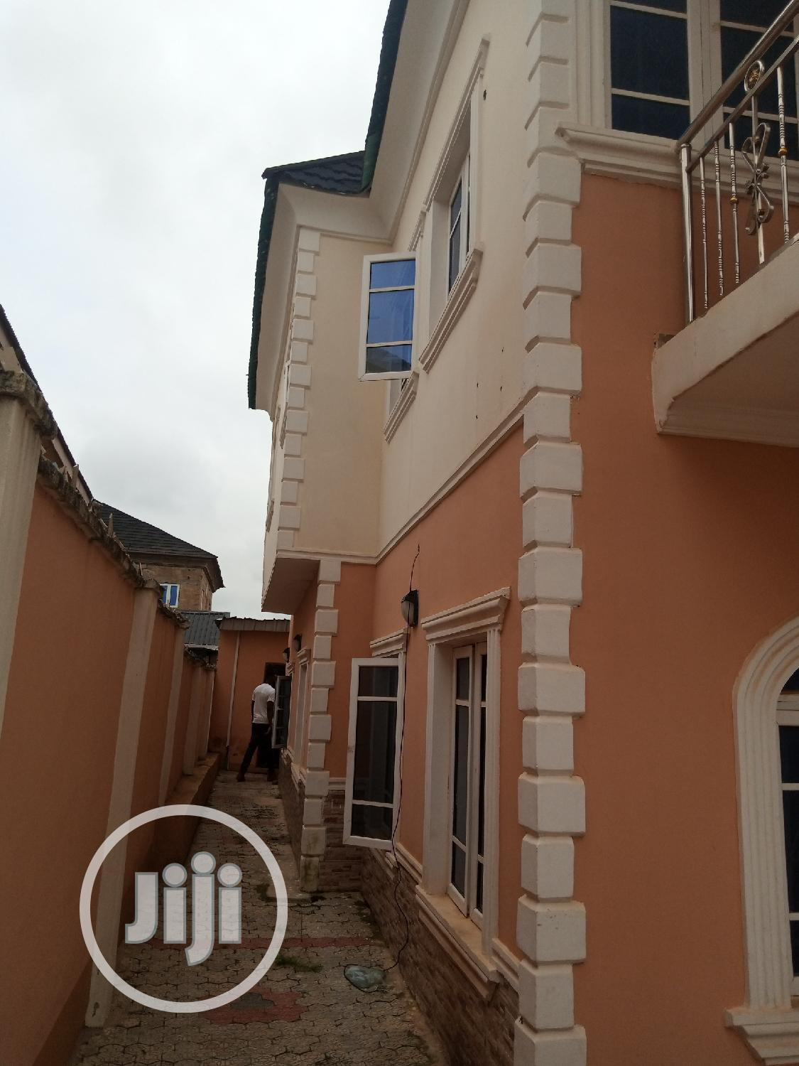 4bedroom Duplex Self Compound, Within Akala Exp,