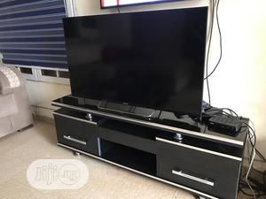 Unique Tv Stand With Glass Top | Furniture for sale in Abuja (FCT) State, Lokogoma