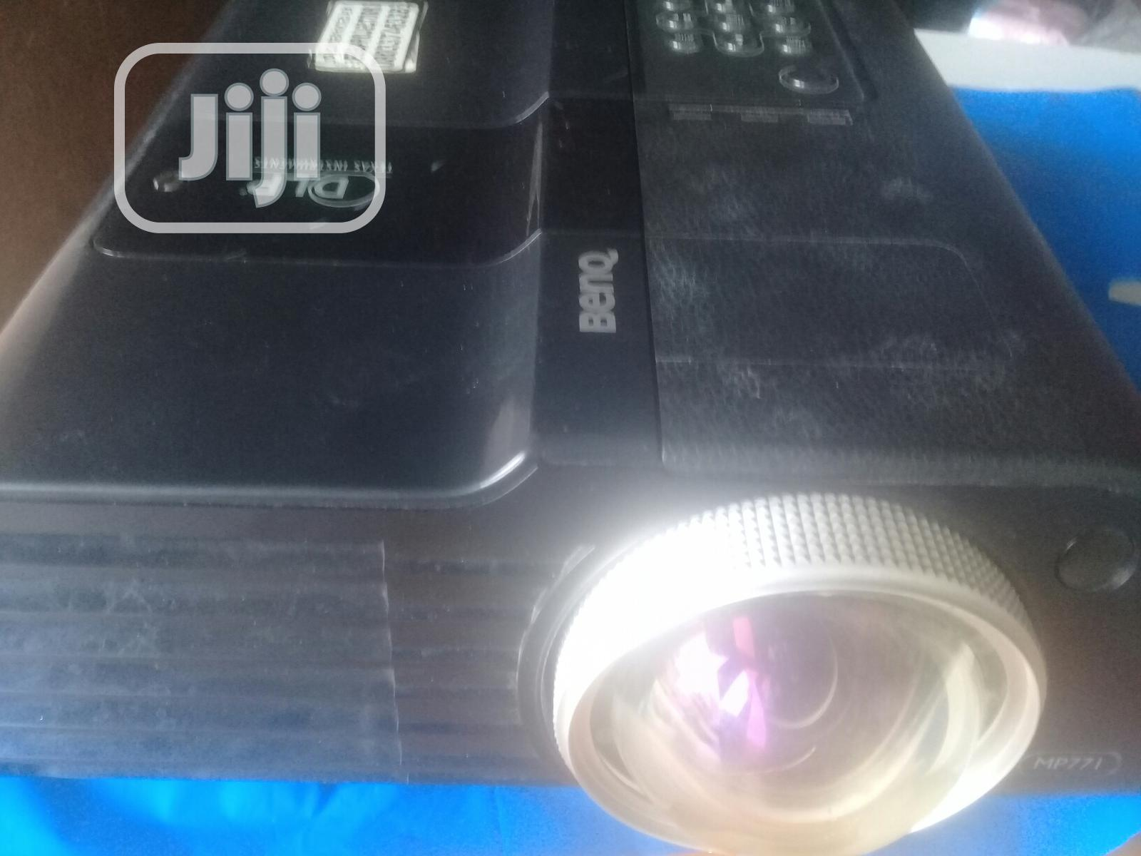 Archive: Very Sharp Benq Projector For Sale