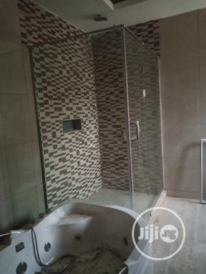 10mm Tampered Glass Shower Cubicle | Plumbing & Water Supply for sale in Abuja (FCT) State, Lugbe District