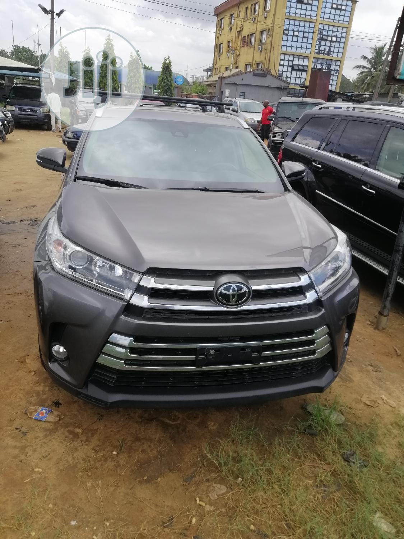 Toyota Highlander 2018 Brown