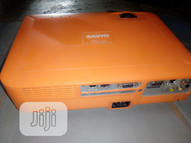 Archive: Sharp & Portable Sanyo Projector