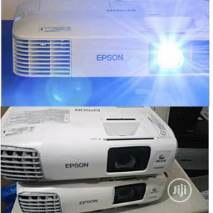 Classic And Super Bright Epson Projector For Sale | TV & DVD Equipment for sale in Edo State, Akoko-Edo