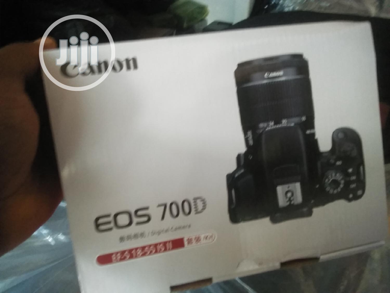 CANON EOS 700D Professional Camera