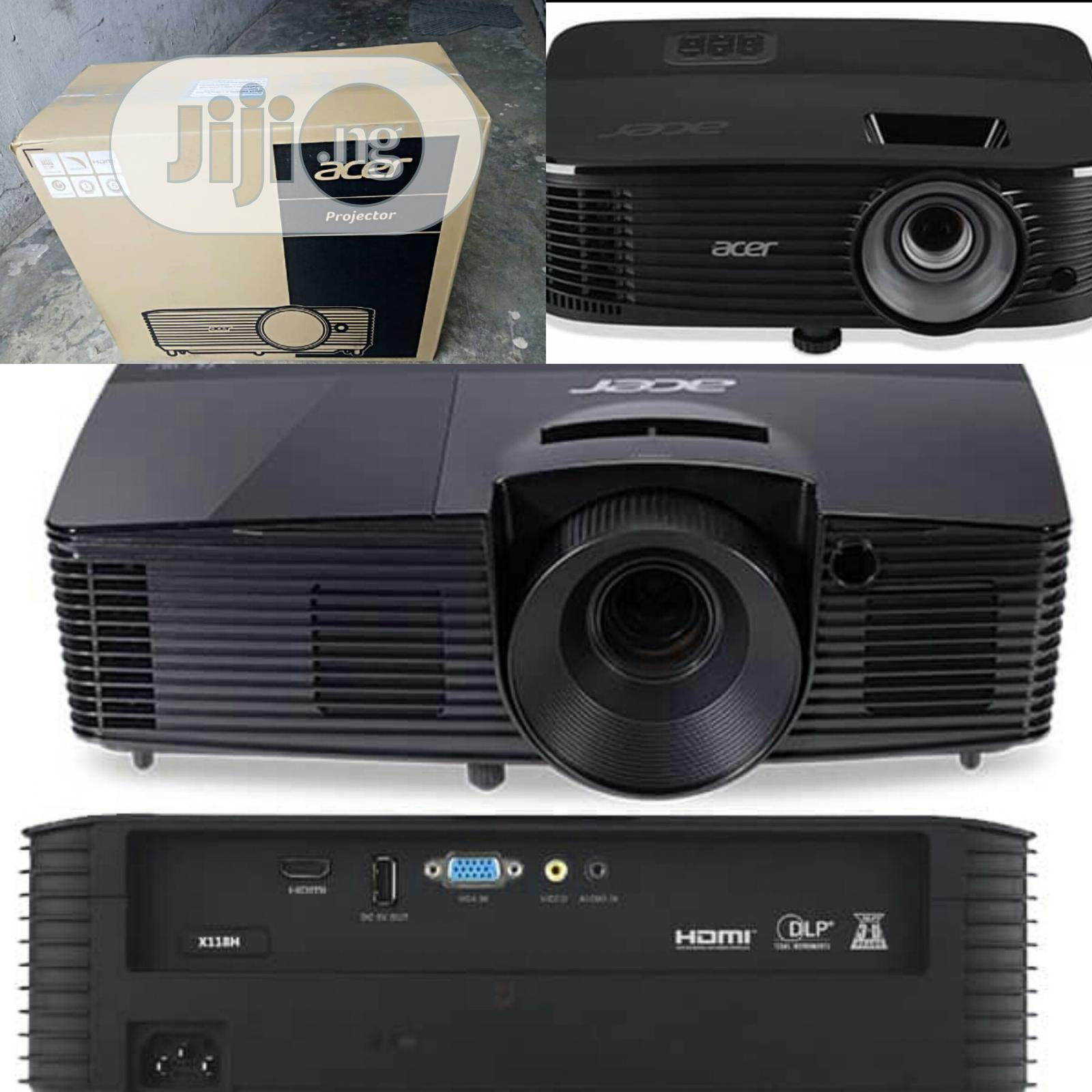 Archive: Very Sharp Brand New Acer Projector