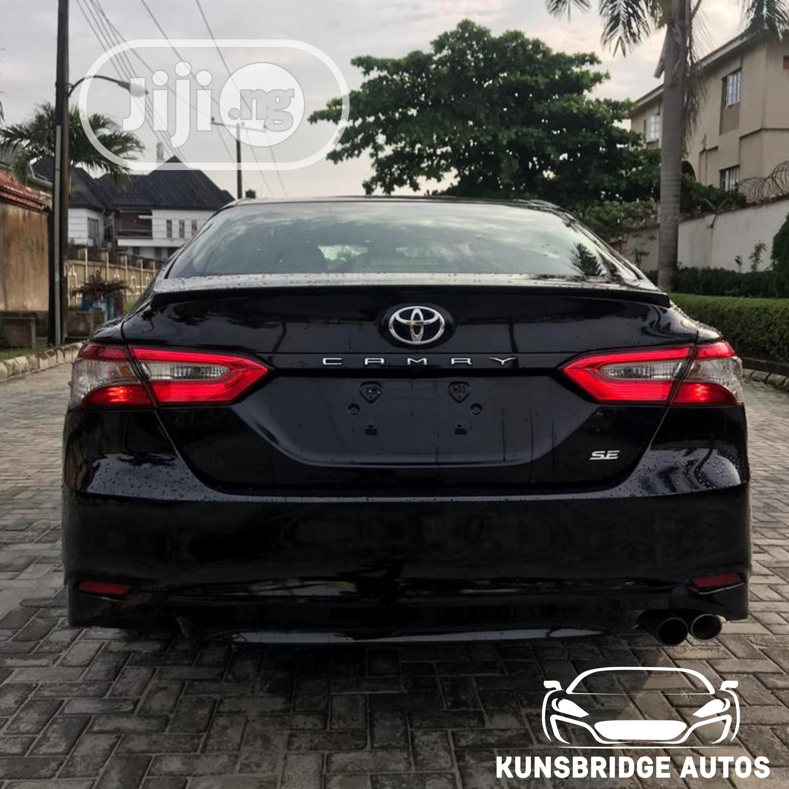 Toyota Camry 2018 SE FWD (2.5L 4cyl 8AM) Black | Cars for sale in Lekki, Lagos State, Nigeria