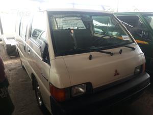 Mitsubishi L300 2003 White   Buses & Microbuses for sale in Lagos State, Apapa