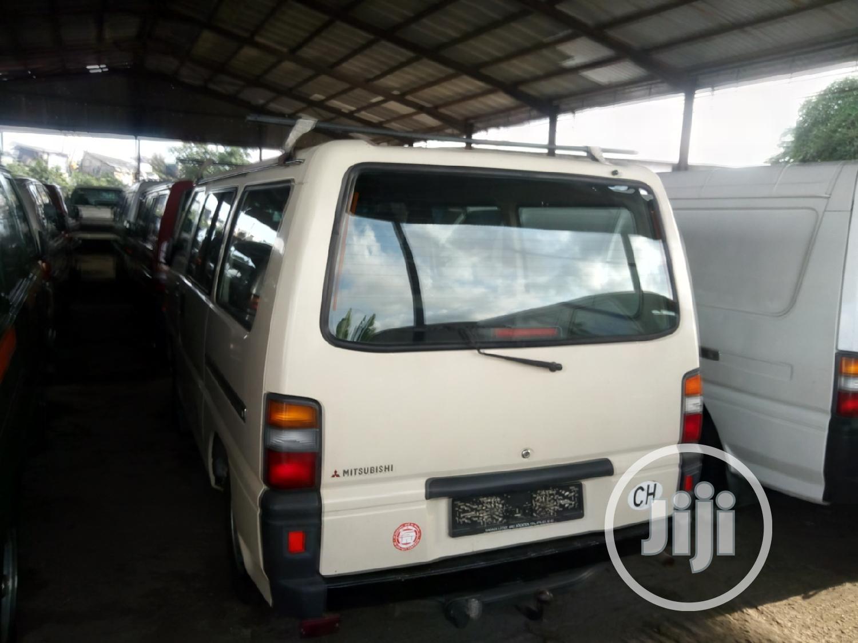 Mitsubishi L300 2003 White   Buses & Microbuses for sale in Apapa, Lagos State, Nigeria