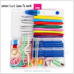 16 Sizes Needles Aluminium Crochet Hooks Needles Knit | Arts & Crafts for sale in Enugu State, Nsukka