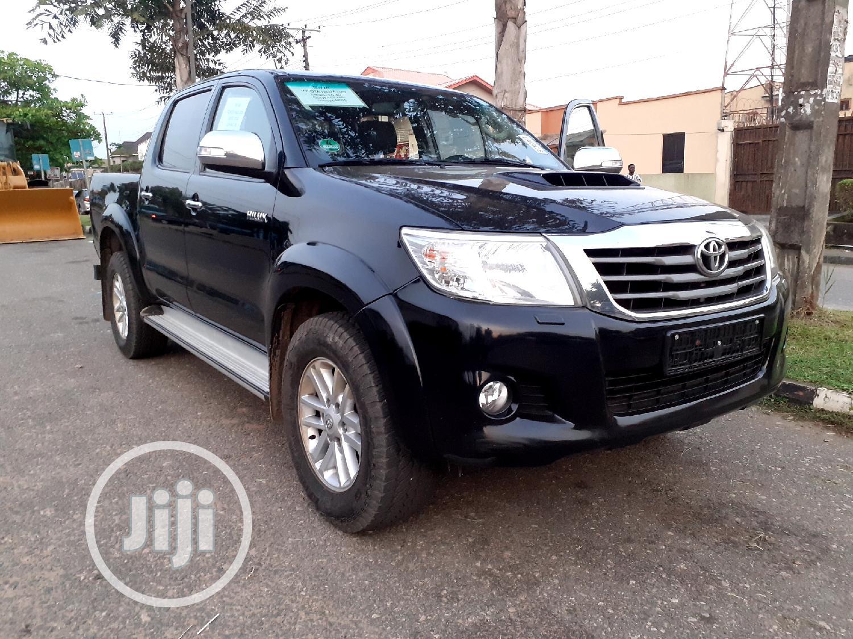 Toyota Hilux 2015 WORKMATE Black