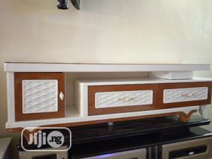 Glass Top Tv Stand 2meter Size | Furniture for sale in Lagos State, Isolo