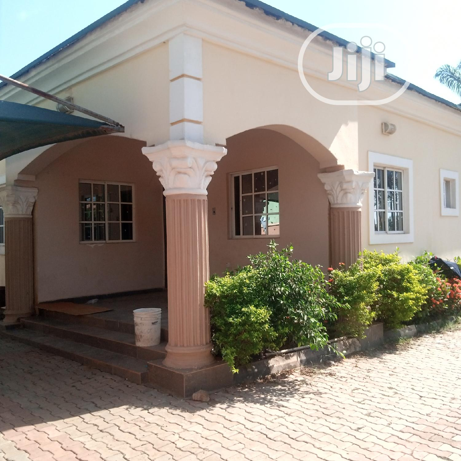 4bdrm Bungalow in Kaura for Sale