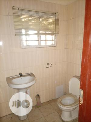 A Clean 3 Bedrooms Flat for Rent.   Houses & Apartments For Rent for sale in Lagos State, Lekki