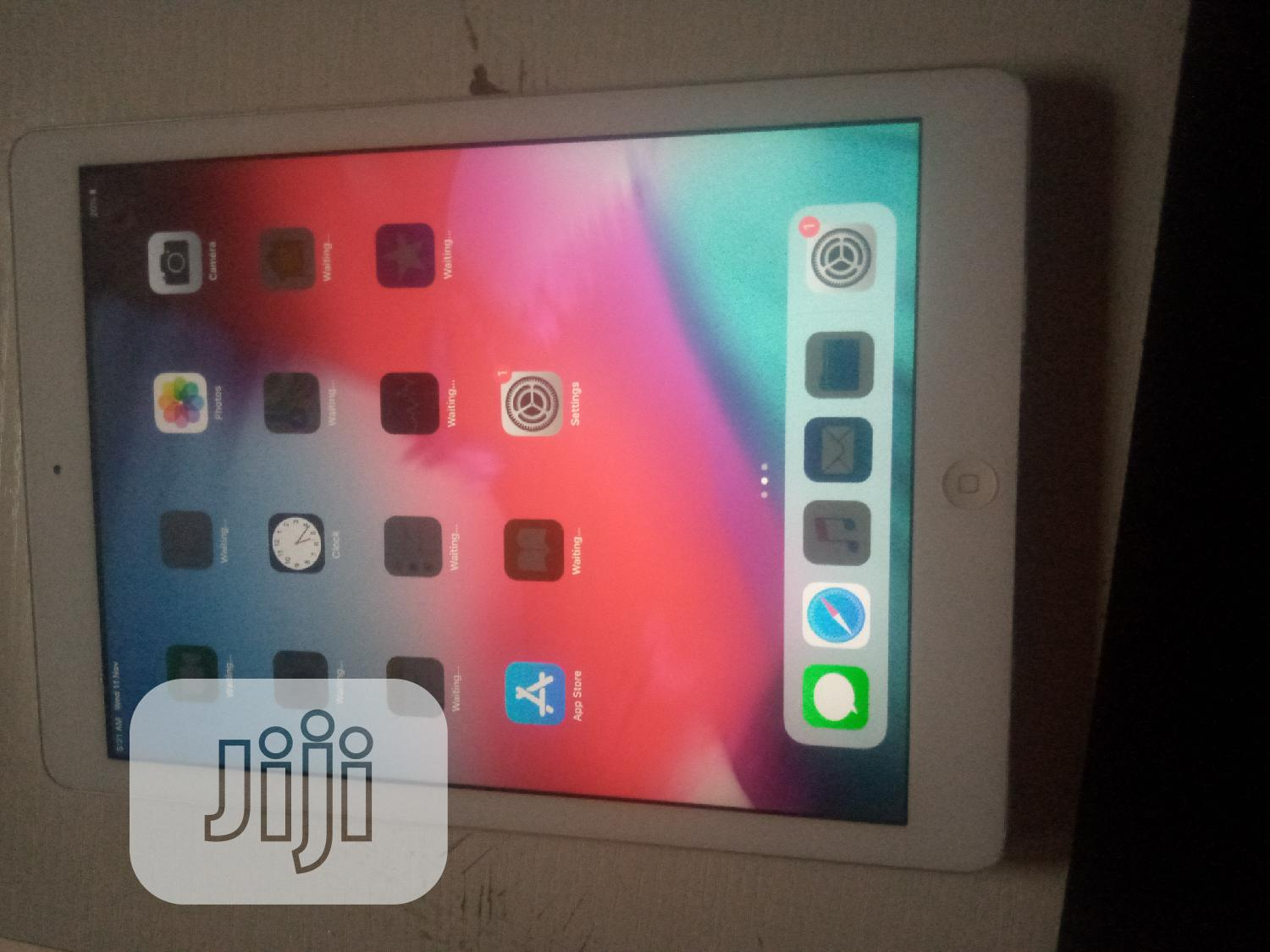 Apple iPad Air 32 GB Silver | Tablets for sale in Ikeja, Lagos State, Nigeria