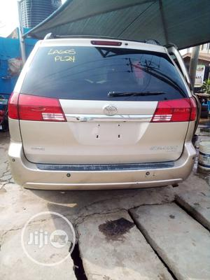 Toyota Sienna 2005 XLE Gold | Cars for sale in Lagos State, Surulere