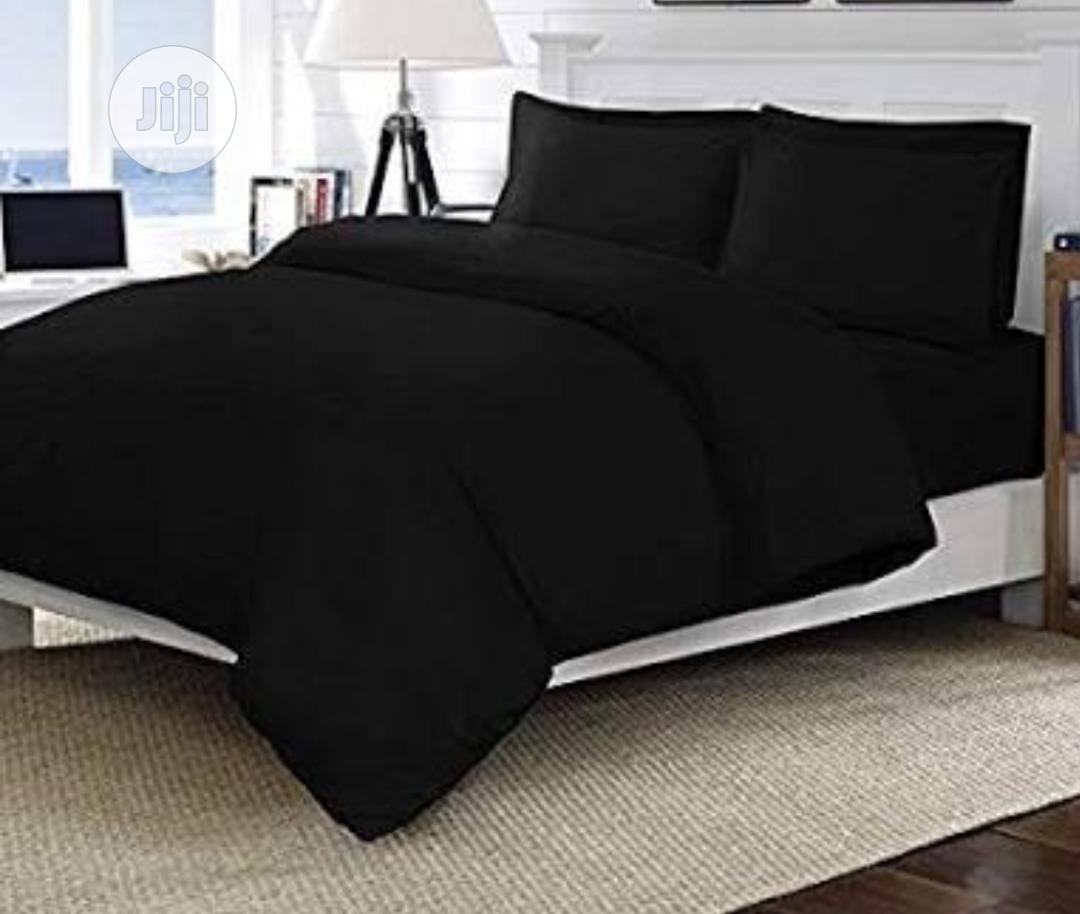 Quality Black Duvet, Bedsheet With 4 Pillow Cases