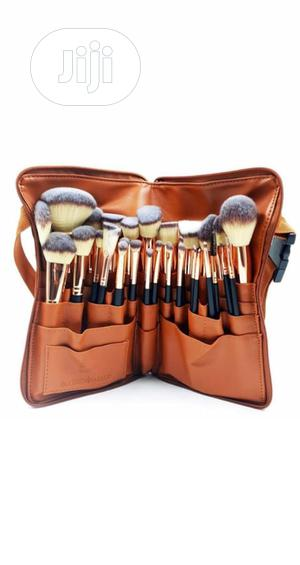 Human Hair Brush Set With Waist Bag   Makeup for sale in Lagos State, Ojo
