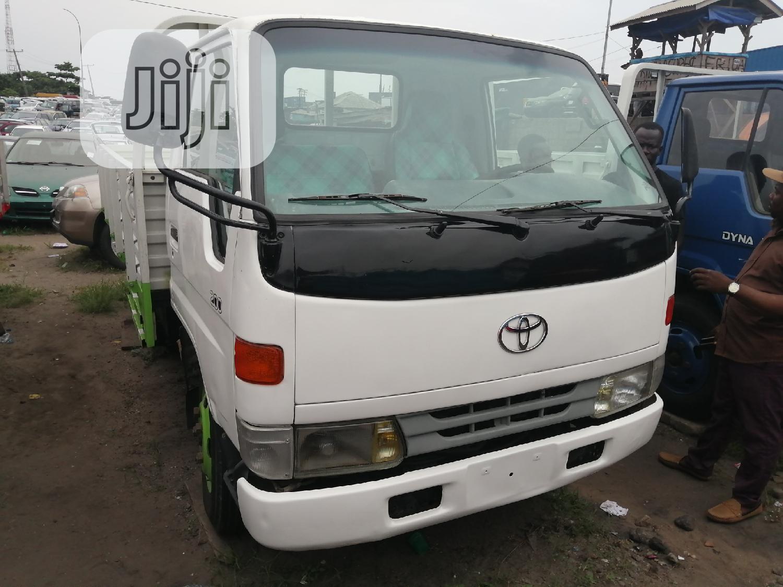 Toyota Dyna 200 2002 White | Trucks & Trailers for sale in Apapa, Lagos State, Nigeria