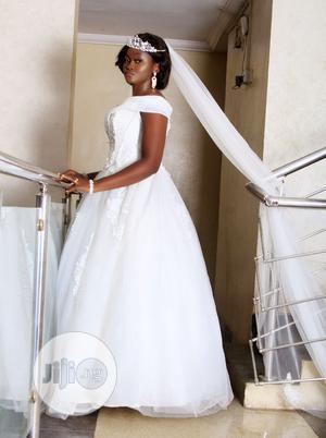 Rent Off Shoulder Wedding Dress | Wedding Wear & Accessories for sale in Lagos State, Alimosho