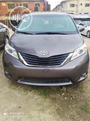 Toyota Sienna 2012 LE 8 Passenger Beige | Cars for sale in Lagos State, Amuwo-Odofin