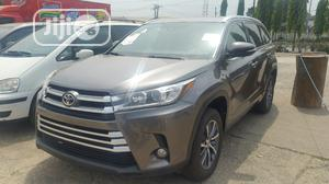 Toyota Highlander 2017 XLE 4x2 V6 (3.5L 6cyl 8A) Gray | Cars for sale in Lagos State, Ikeja
