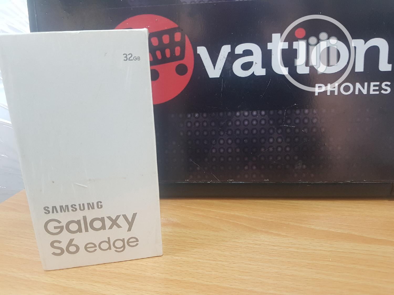 Archive: New Samsung Galaxy S6 edge 32 GB White