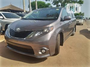 Toyota Sienna 2011 SE 8 Passenger Gray   Cars for sale in Abuja (FCT) State, Central Business District
