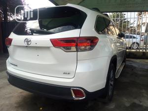 Toyota Highlander 2018 XLE 4x4 V6 (3.5L 6cyl 8A) White | Cars for sale in Lagos State, Ikeja
