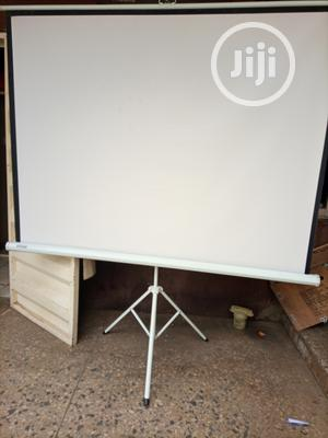 Quality Projector And Strong Projector Stcreen   TV & DVD Equipment for sale in Abuja (FCT) State, Garki 2