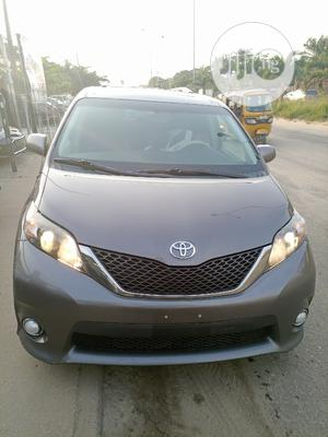 Toyota Sienna 2013 SE FWD 8-Passenger Gray | Cars for sale in Lagos State, Amuwo-Odofin