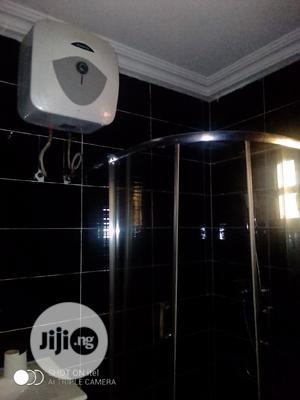 Very Neat 2 Bedroom Flat For Rent | Houses & Apartments For Rent for sale in Ikorodu, Ikorodu Garage