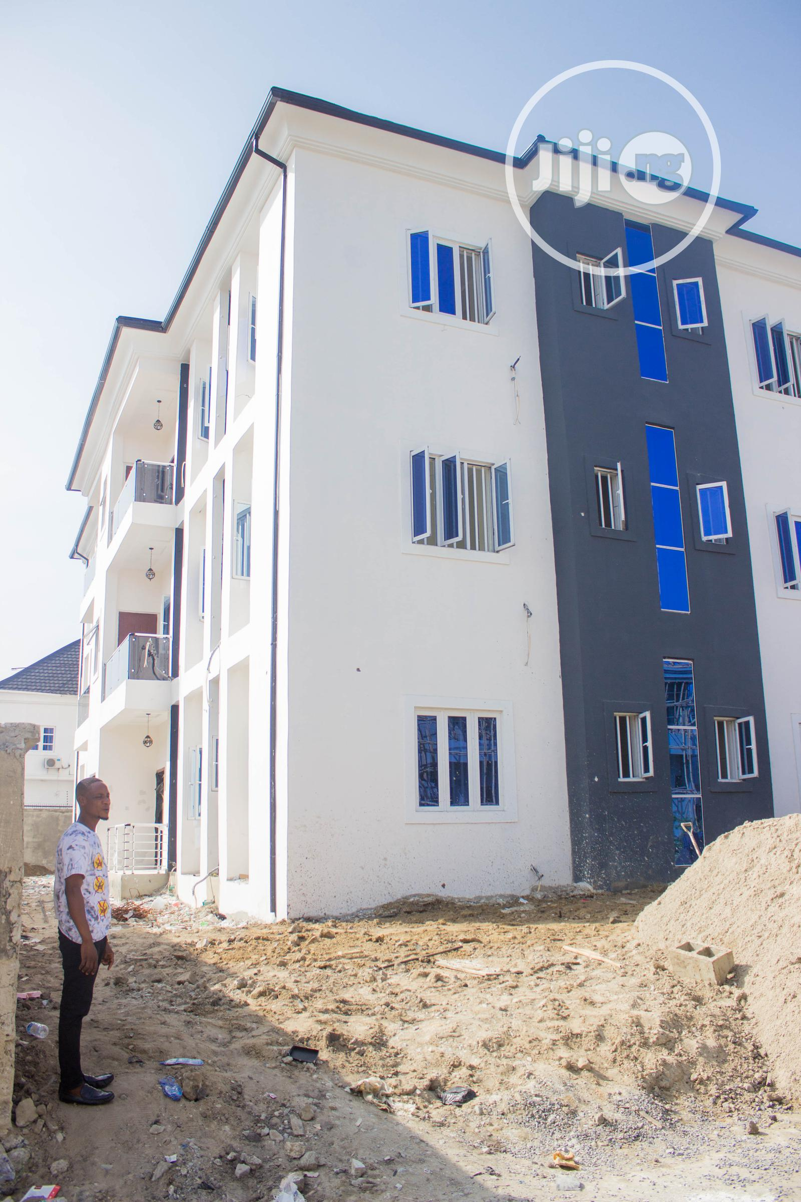 Standard Neat 3 Bedroom Flat For Sale | Houses & Apartments For Sale for sale in Osapa london, Lekki, Nigeria