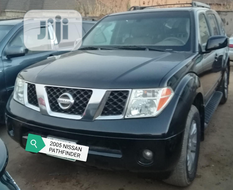 Nissan Pathfinder 2005 Black