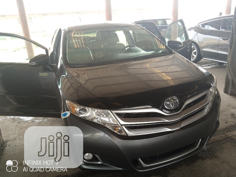 Archive: Toyota Venza 2013 XLE AWD V6 Gray